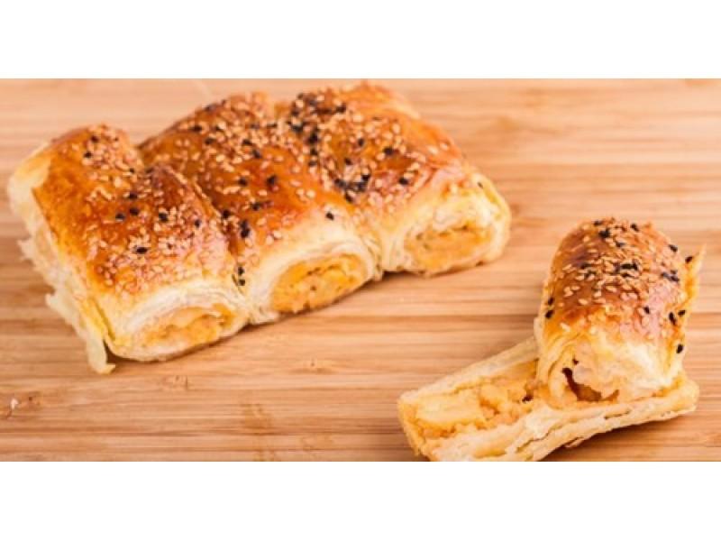Ev Böreği Çeşitlerimiz: Peynirli, Patatesli, Ispanaklı Börek